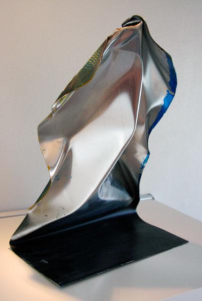 http://jimmydahlberg.se/files/gimgs/1_jimmydahlberg-sculpture-2back.jpg