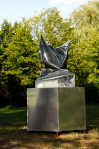http://jimmydahlberg.se/files/gimgs/th-1_1_2-europeansculpturepark-jimmydahlberg.jpg